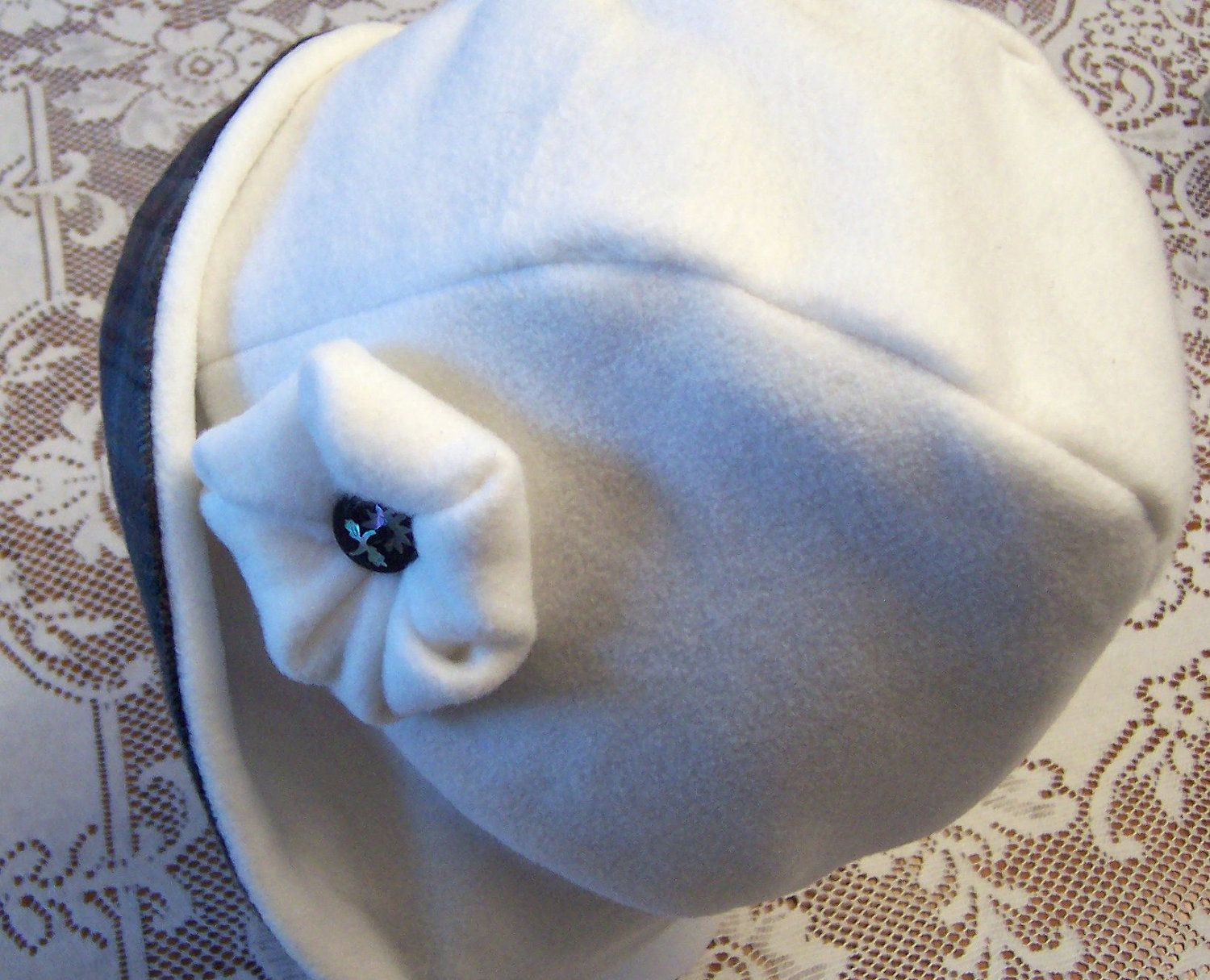 Fleece vs flannel  Womenus Cloche Style Hat Chemo Polar Fleece Plaid Flannel Lining