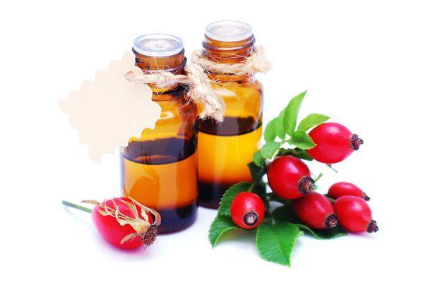 El aceite de rosa mosqueta es muy útil para la piel, ya que cuenta con muchos beneficios. Aprende a aprovecharlos con este artículo.