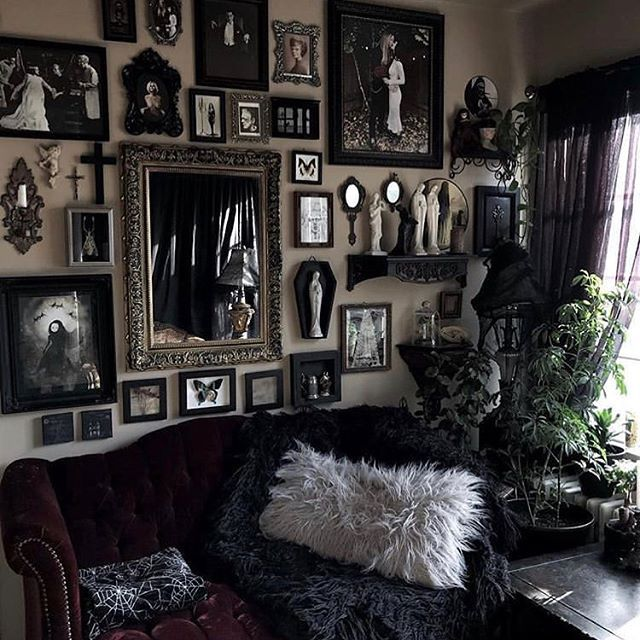 Photo of @kirracruz 🖤💀 • • #goth #gothhomedecor #gothhomedecorating #gothaesthe…