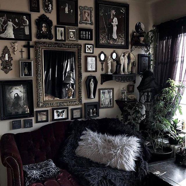 """Photo of Goth Homes 🖤 on Instagram: """"@kirracruz 🖤💀 • • #goth #gothhomedecor #gothhomedecorating #gothaesthetic #gothdecor #gothic #gothicdecor #gothichome #gothhome #gothcouple…"""""""