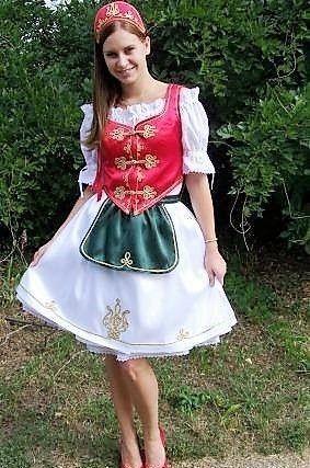 b7d55cdd00 Magyar ruha - csárdás ruha - menyecske ruha | MAGYAROS in 2019 ...
