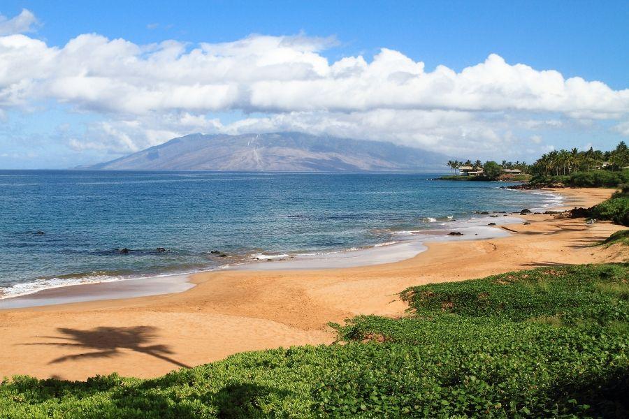 Mai Tai Bar At Makena Surf Resort Guests Only With Images Hawaii Vacation Rentals Hawaii Vacation Maui Beach