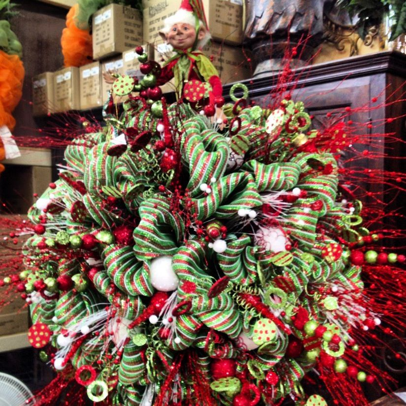 Can You Spy Santas Little Helper Elf On Apaul Michael Company