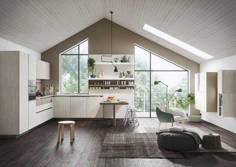 Elegante küche im offenen wohnraum mit dachschräge