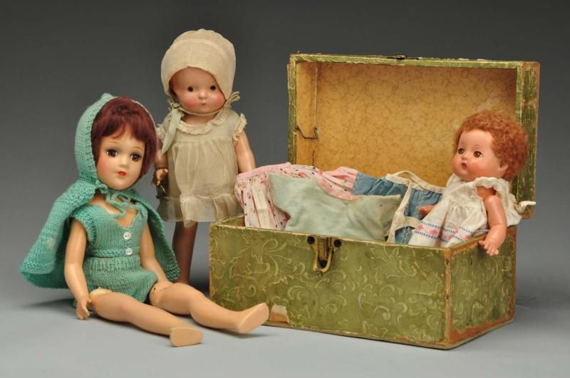 Mary Hoyer and other dolls.