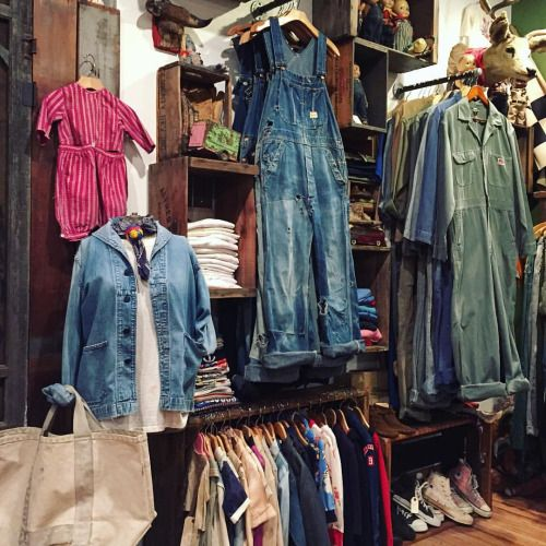 Raggedythreads Vintage Clothing Display Clothing Displays Vintage Outfits