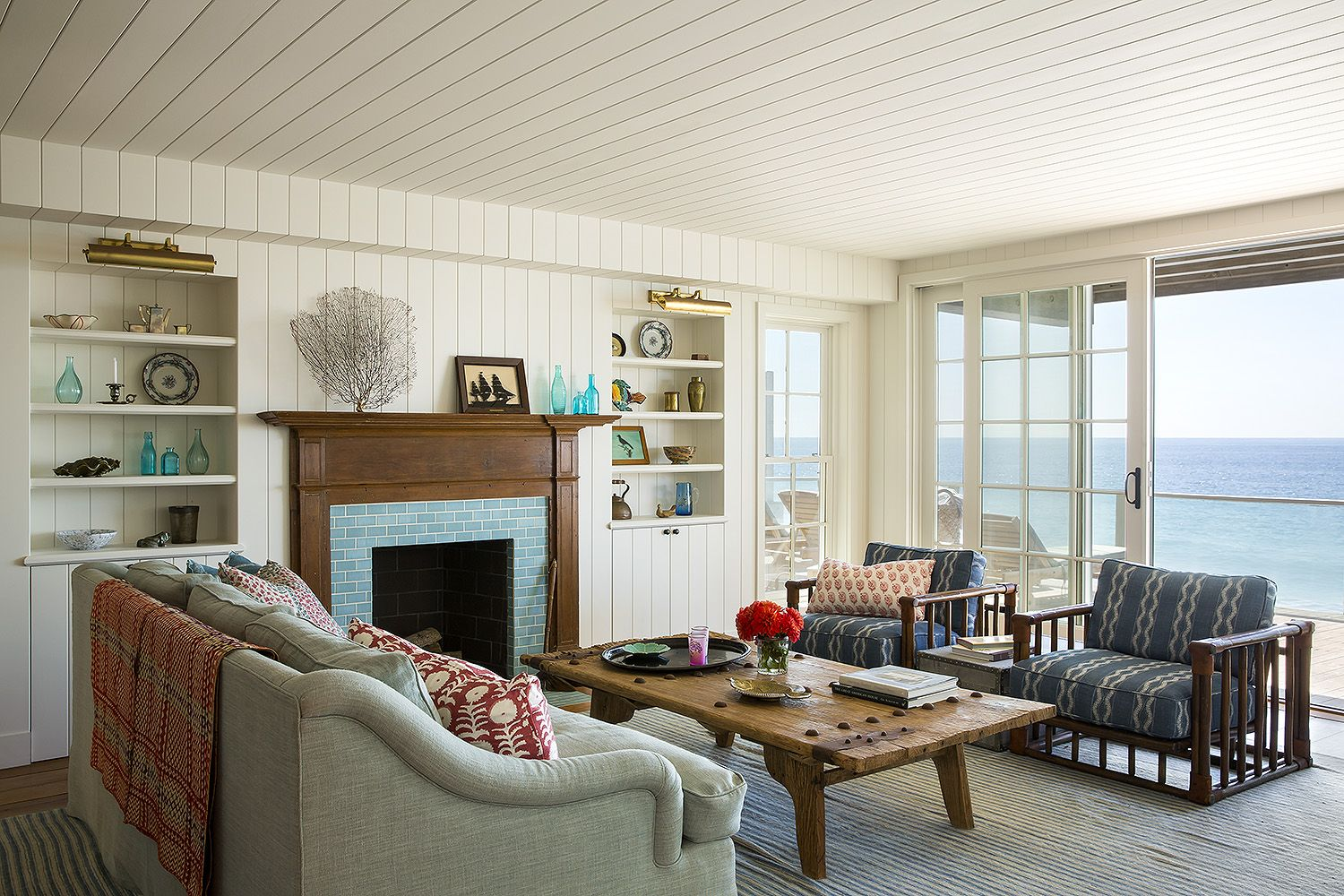 A renovated 1940\'s shingled cottage located in the heart of Malibu ...