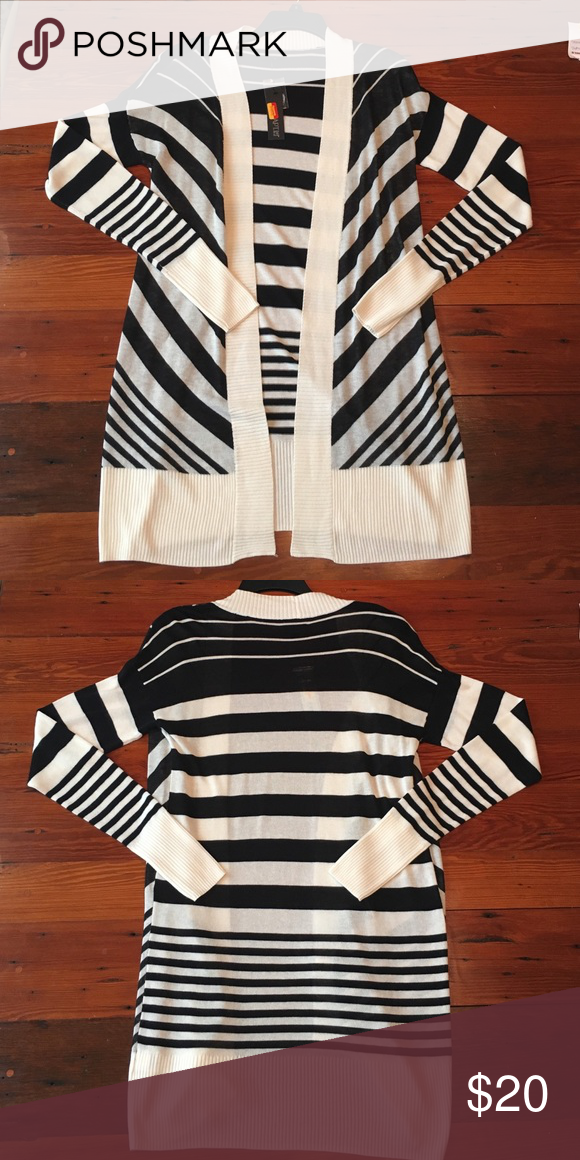 NWT Apt. 9 black and cream cardigan size small 100% rayon. Apt. 9 Sweaters  Cardigans 88bc3490a