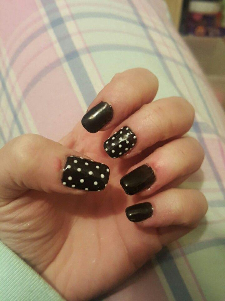 Black And White Polka Dot Acrylic Nails With Gel Nails Acrylic Nails Dots