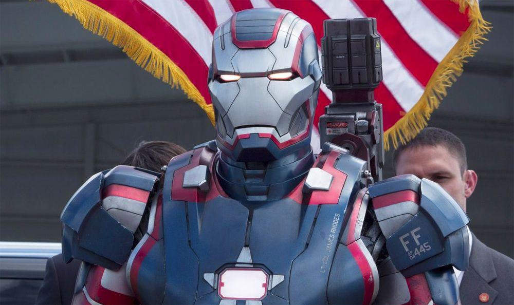 Iron Man 3 Iron Patriot | Cinecrítica. Iron Man 3 (Black, 2013) | C a r l o s D r a g o n n e ...