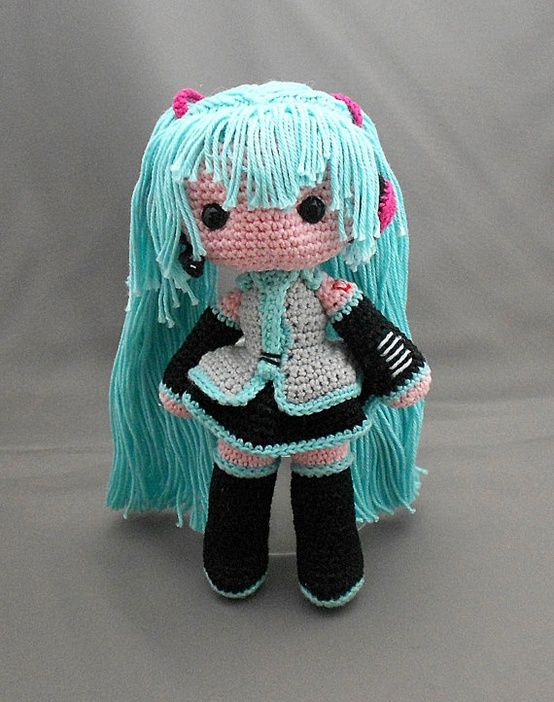 Hatsune Miku i really want to make this !