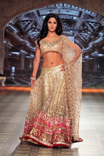 9323c38d1a028 10 Best Manish Malhotra Bridal Collection Lehenga Designs with Price Tags
