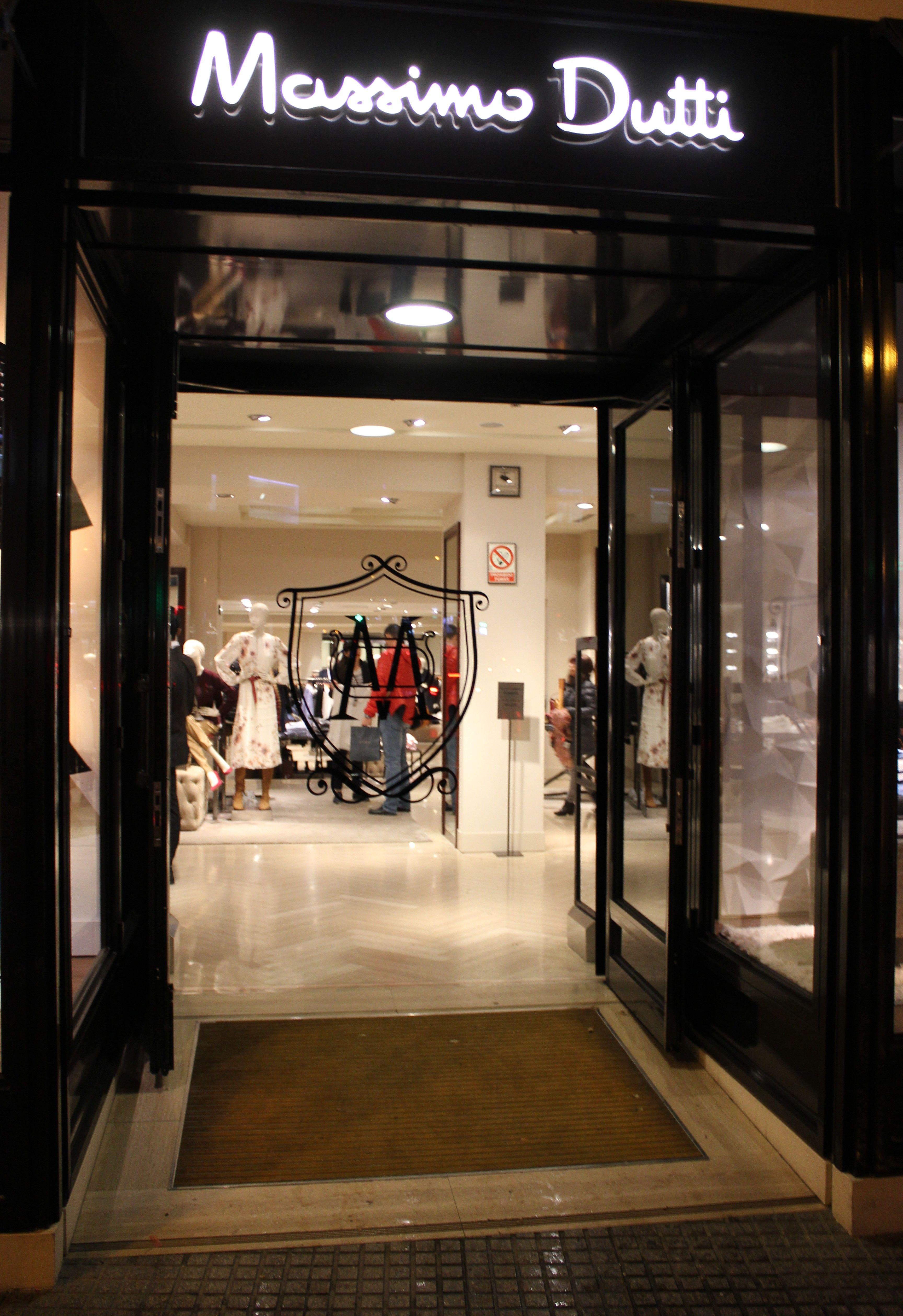 Entrada A Tienda Massimo Dutti Madrid Diciembre 2016