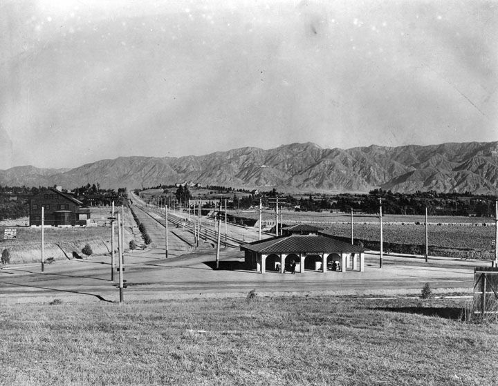 The Oneonta Park Station Of Pacific Electric Railway In South Pasadena Circa With Raymond Hill And Its Hotel Background On Fair Oaks