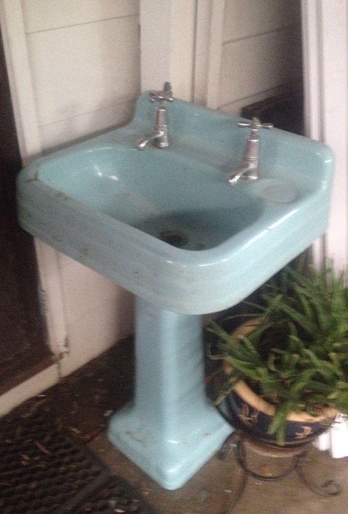 sink Vintage blue pedestal