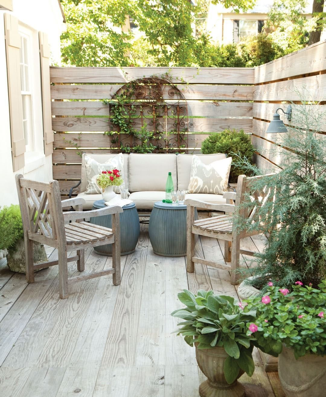 Tips For Spectacular Small Patio Ideas Townhouse Exclusive On Interioropedia Home Decor Small Patio Design Small Patio Decor Patio Ideas Townhouse Townhouse backyard design ideas