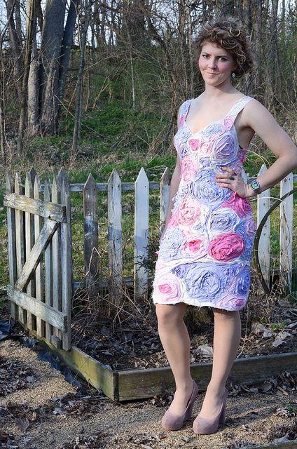 Project Idea: Wowza!  A T-Shirt Flower Dress by Stacie Stacie Stacie found at Stars for Streetlights.