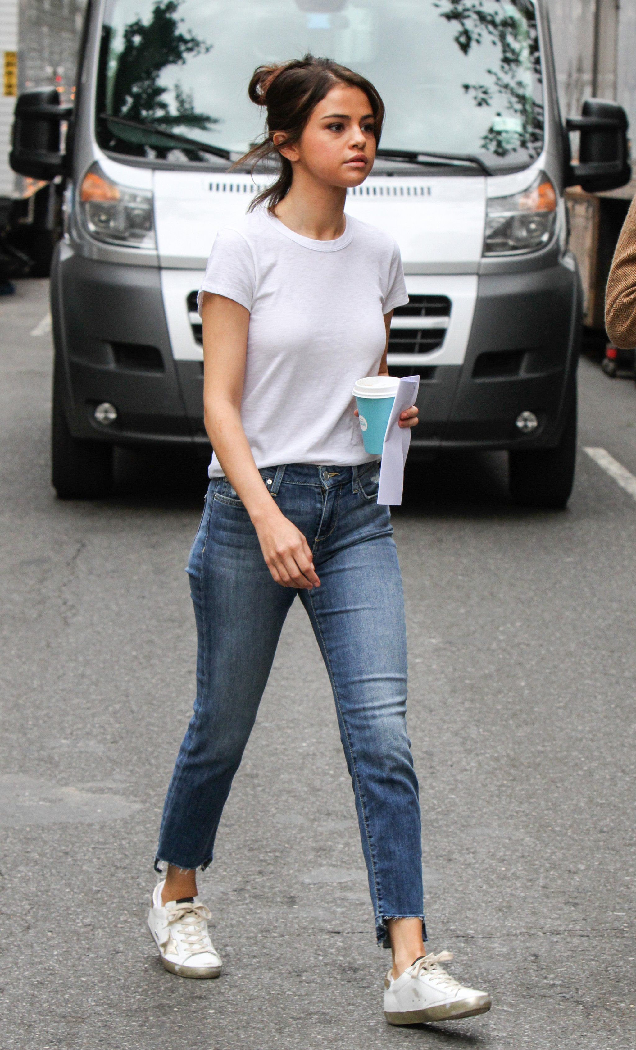 28ca4ed3519 Selena Gomez Looks Happy and Healthy on Movie Set After Kidney Transplant  News  streetstyle