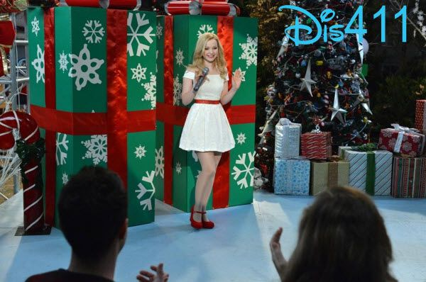 Dove Cameron Singing Let It Snow On Liv And Maddie Liv E