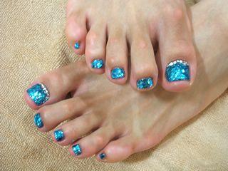 ボード「toes nail design」で、他にもたくさんのピンを見つけましょう。 アーネラのペディキュアデザイン(足