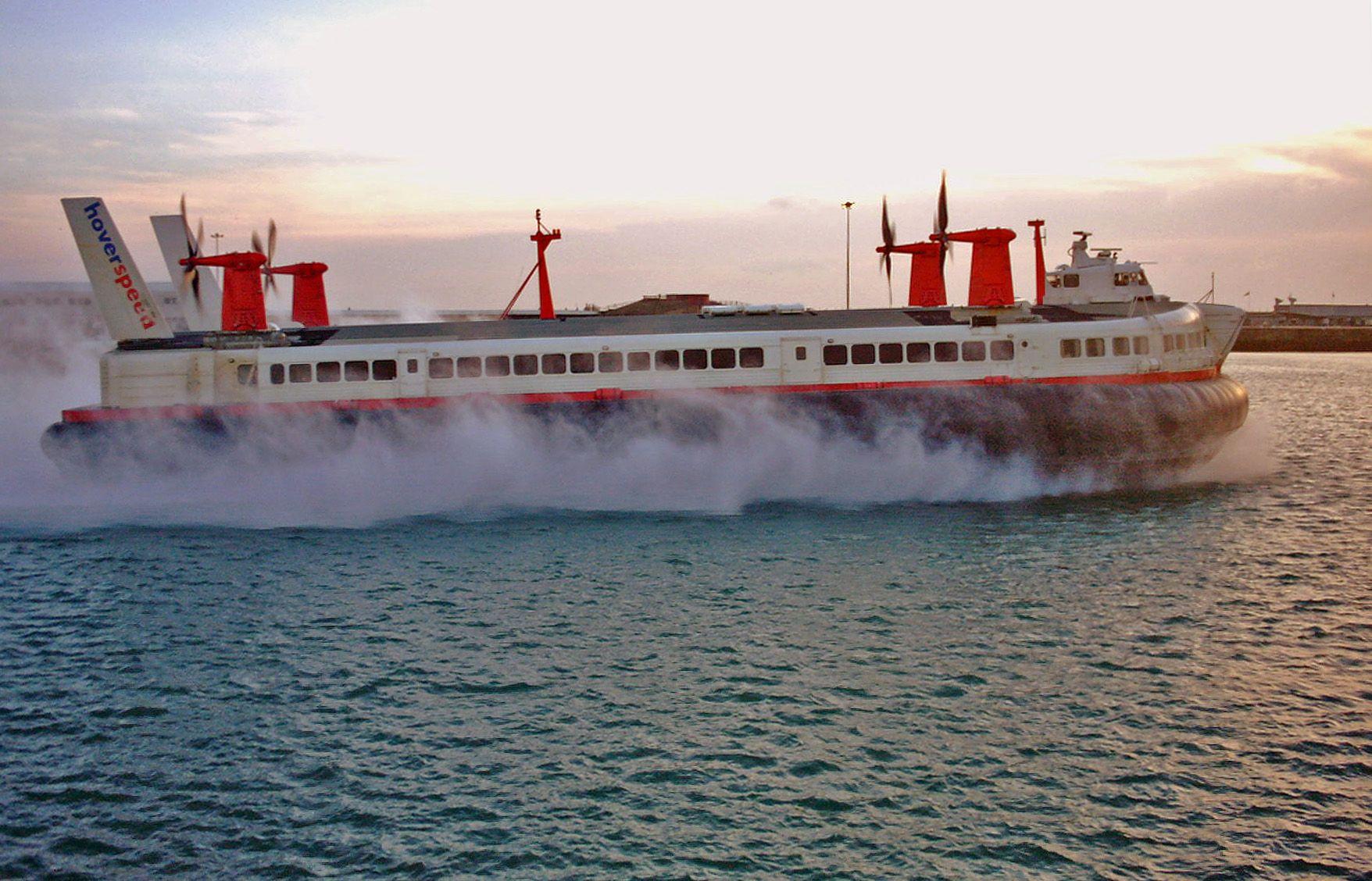 SRN4 Hovercraft Mountbatten Class - Ferry - Wikipedia, the free