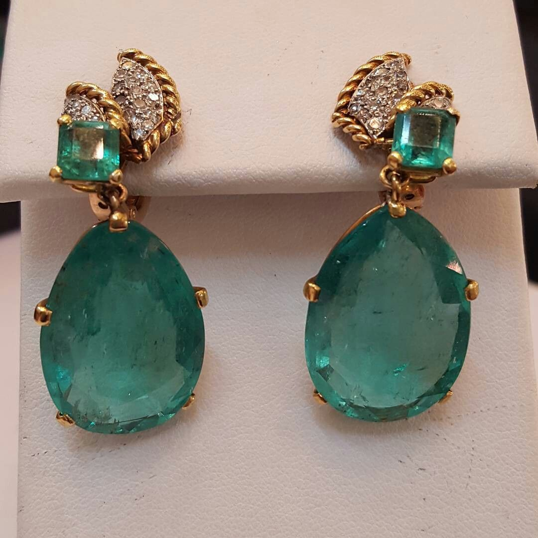 We Love These 40 Plus Carats Of Gorgeous Emerald Earrings By Cartier Columbianemeraldearrings