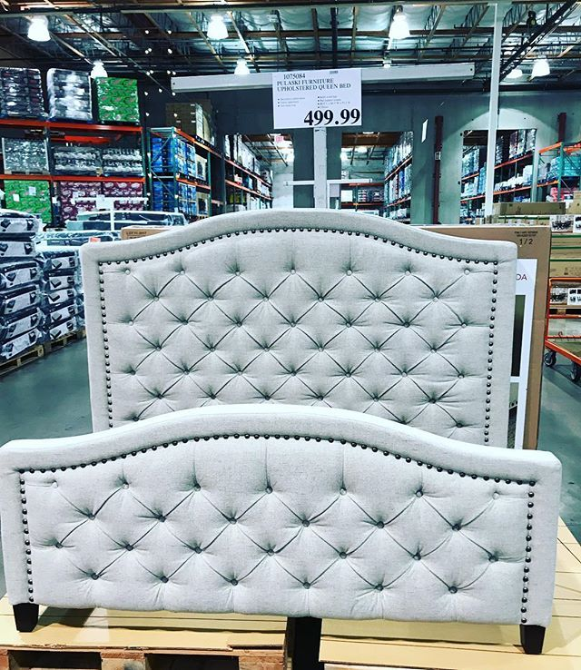 This queen size tuft bedframe is just beautiful