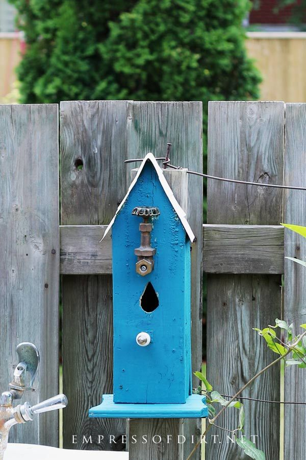 Come grab ideas from this gallery of creative and quirky decorative birdhouses add some art to your garden birdhouse gardenideas gardenart also idea arbors looking at different rh pinterest