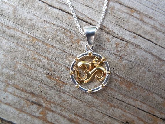 Om necklace in sterling silver with 18kt gold plating by Billyrebs