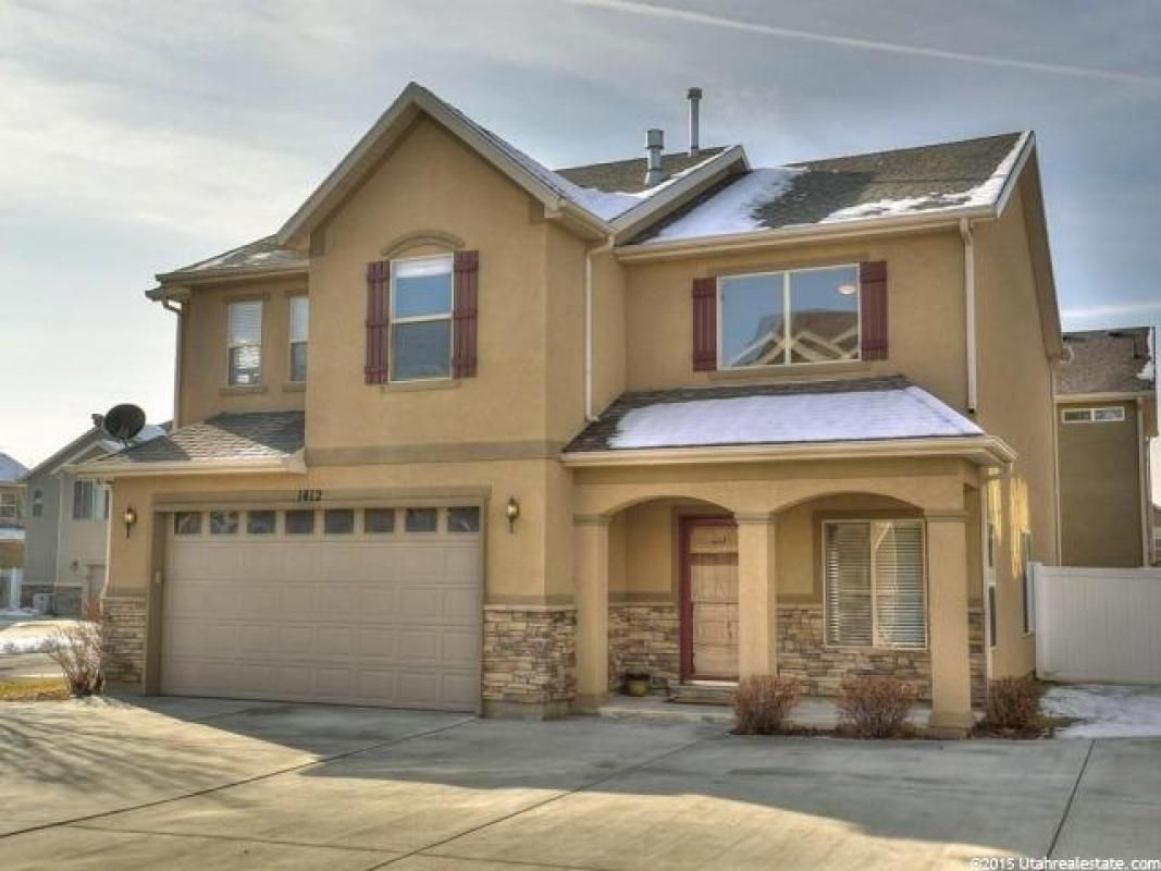 1412 E Verona Creek Way South Ogden Ut 84405 193 000 Home Sold To See More Homes For Sale In Utah Visit Buyahomeinutah Com House Styles Mansions Home