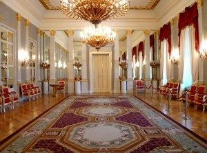Buckingham Palace Grand Corridor Leading To Balcony Room Chinese Dining Room Where The Royal