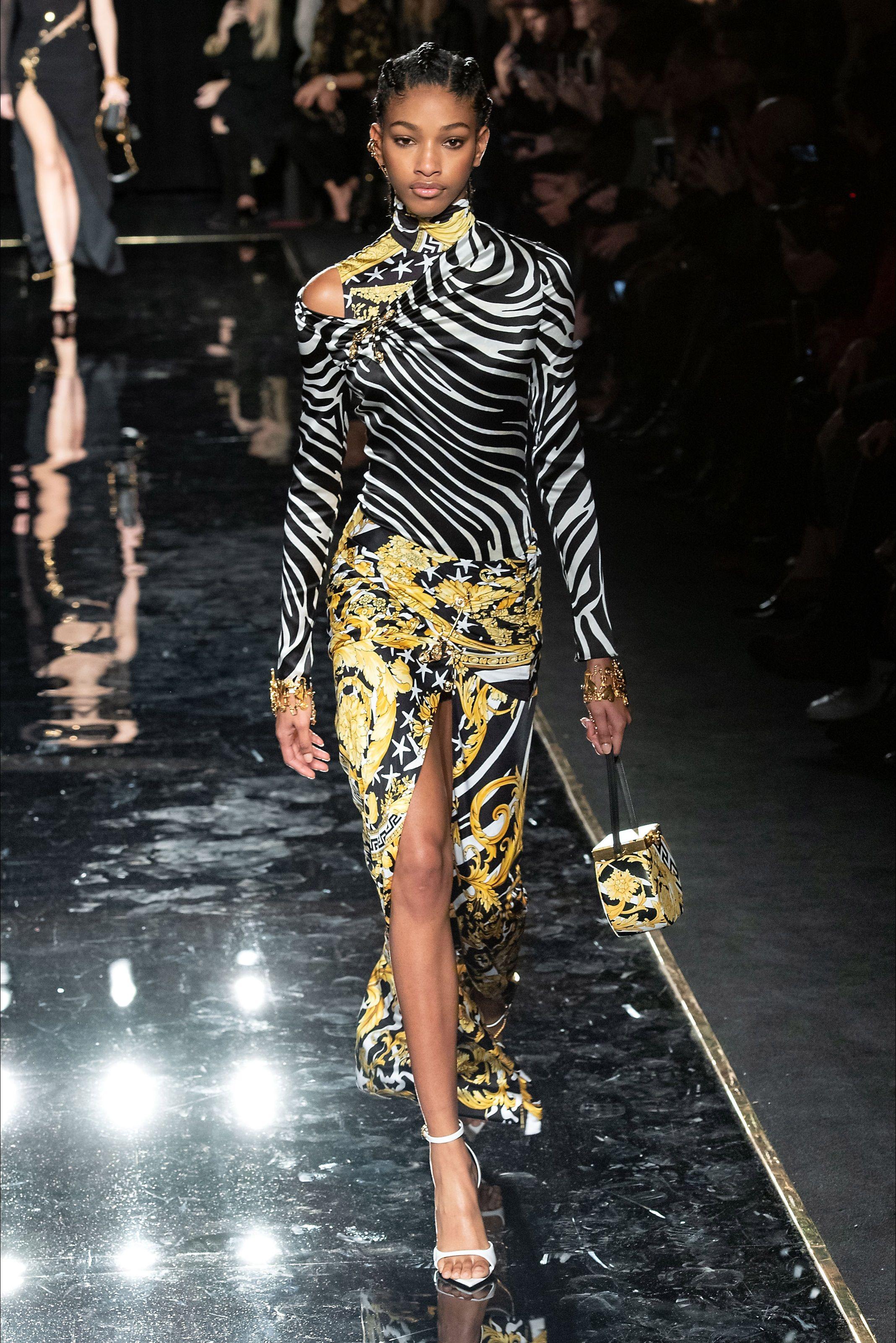 7741b33389 Sfilata Versace New York - Pre-Collezioni Autunno-Inverno 2019-20 ...