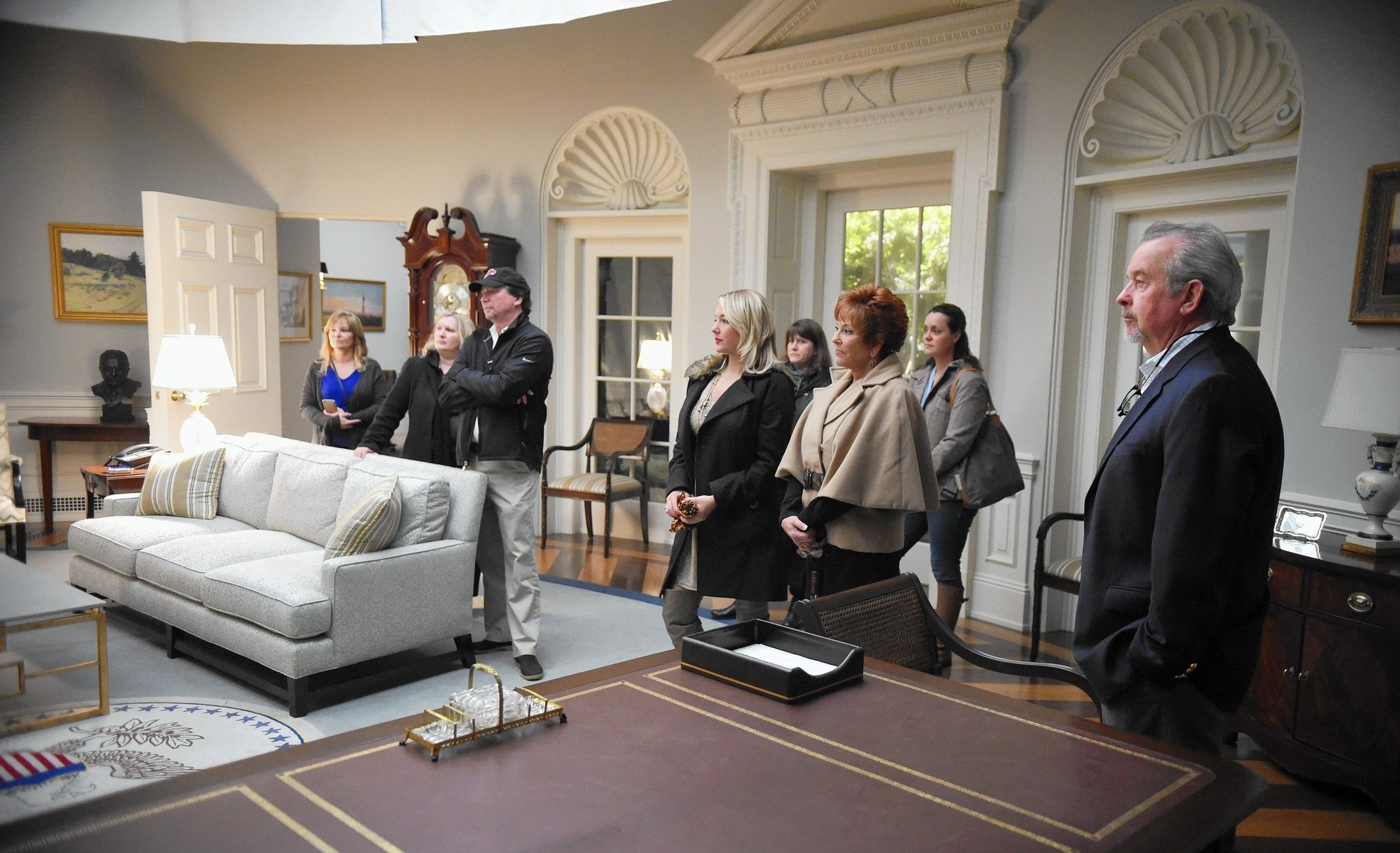 House Of Cards Set Tour House Of Cards House Styles House Design