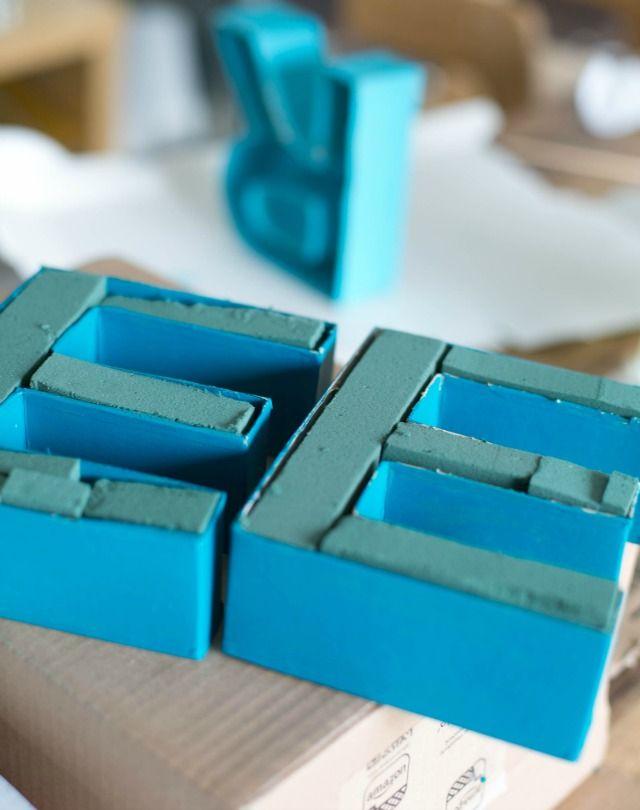die besten 25 pappbuchstaben ideen auf pinterest mako meerjungfrauen hochzeitsgeldgeschenke. Black Bedroom Furniture Sets. Home Design Ideas