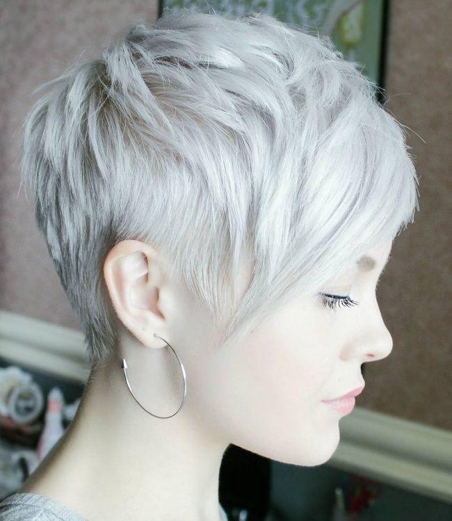 Coupe cheveux court femme gris