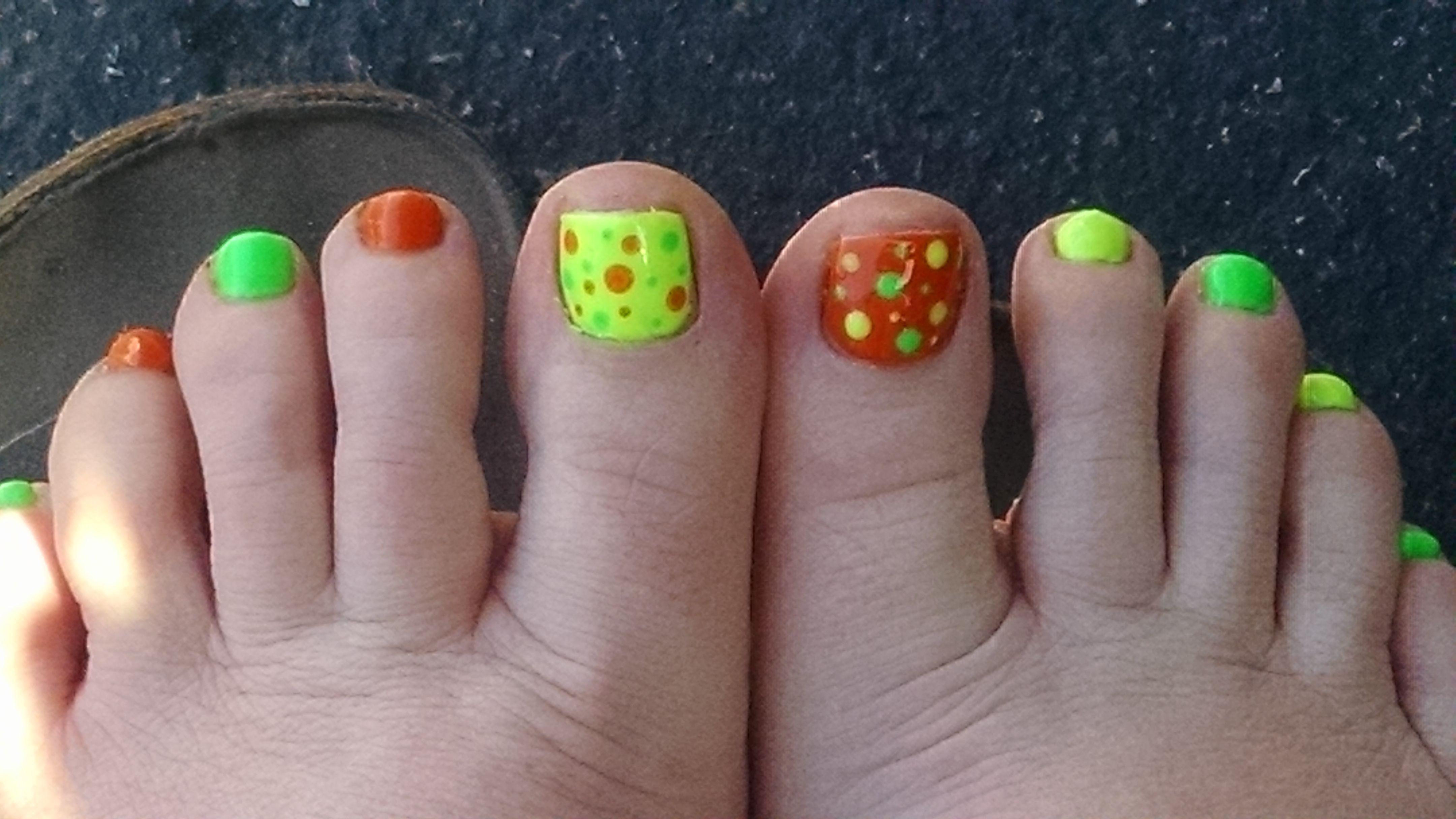 Fun toes. nails by Dary of Dary's Nail Spot, Tacoma WA