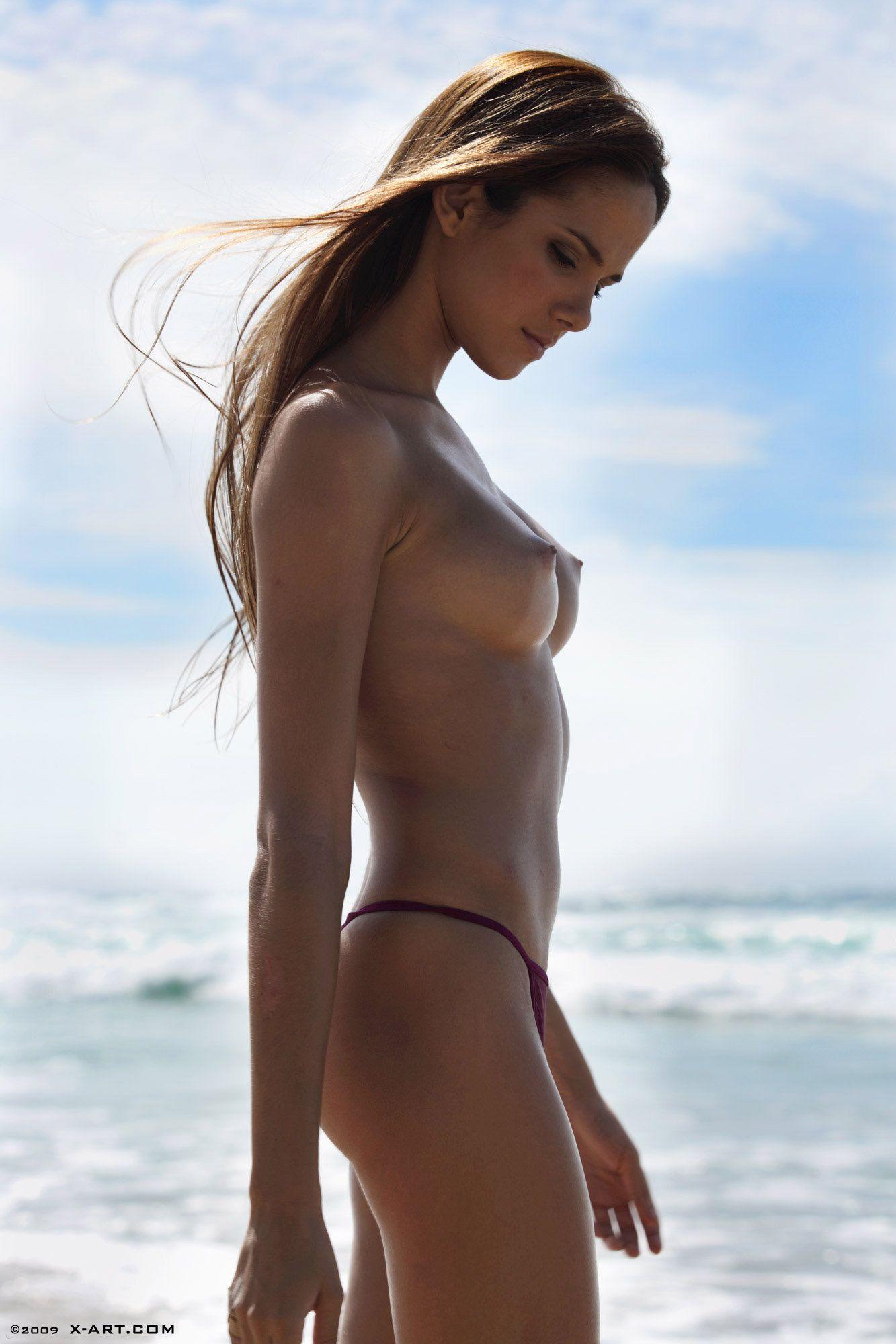 【画像あり】ヌーディストビーチの画像貼ってく  [679785272]->画像>132枚
