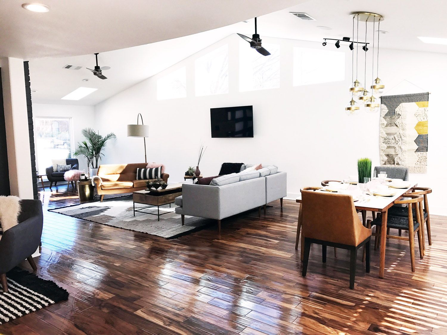 west elm - Before + After - A Modern House Gets A Makeover From The ...