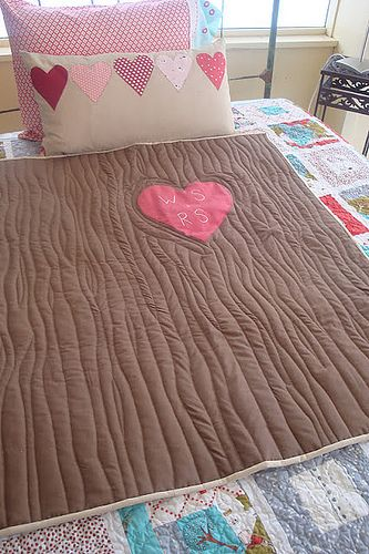Carved Tree Love Quilt. Need this for Elam! Just maybe a different colored heart! Love love love