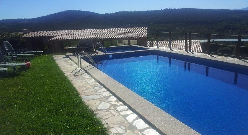 Casa felisa ribeira sacra desde 30 pers noche galicia for Camping en galicia con piscina