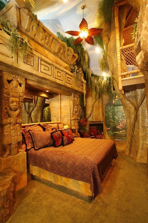 Mayan Rain Forest Suite at The Black Swan Inn in Pocatello