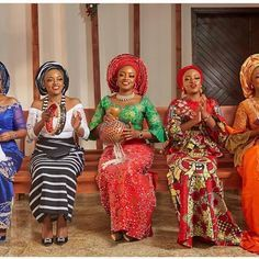 Love this! @emeliajane_075 repping 5 Nigerian ethnic groups for her annual Christmas Shoot ❤ can you name them? : @obisomto  #AsoEbiBella