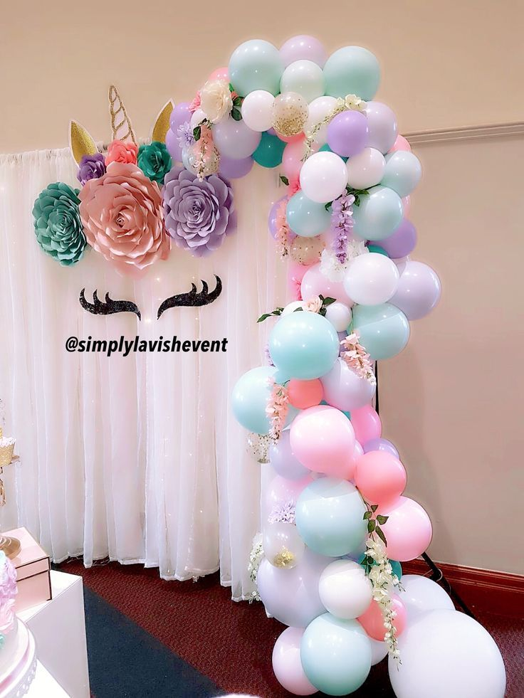 Unicorn 🦄 theme balloons - Unicorn birthday party decorations, Unicorn themed birthday party, Unicorn theme party, Unicorn themed birthday, Unicorn party decorations, Unicorn baby shower decorations - Unicorn themes are still so trendy  Love this balloon garland we did in soft pastels  Follow us on Instagram @simplylavishevent