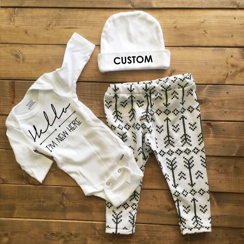 3e748ea5e322 Gender neutral coming home outfit