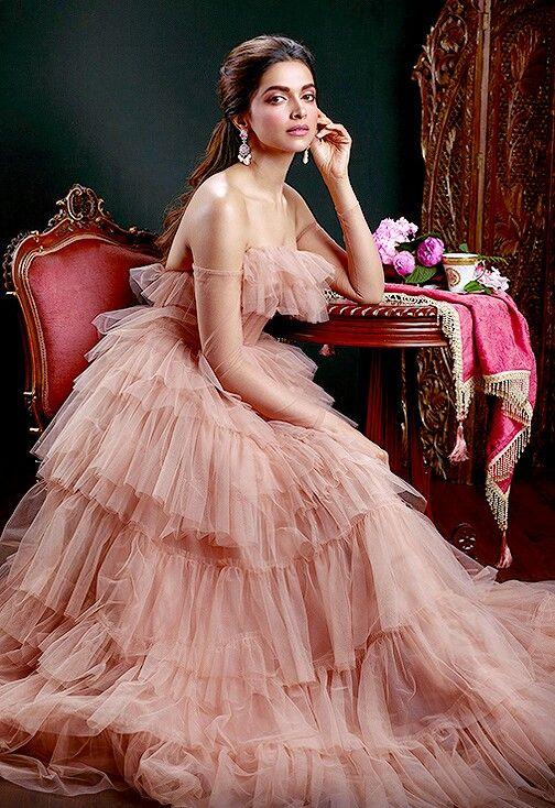 Deepika Padukone - www.facebook.com/ILoveHotAndCuteCelebrities ...