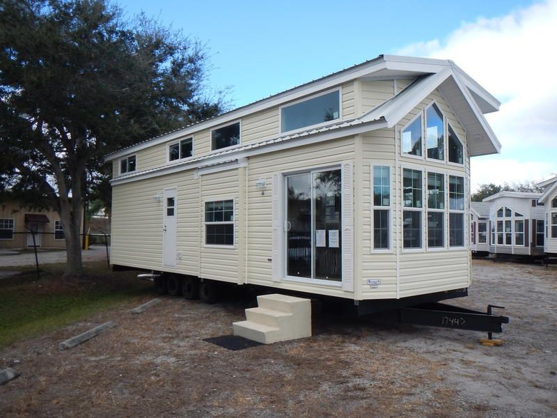 Not All Rvs Are Meant To Spend Their Lives On The Road Park Model Rvs Have Wheels Brakes And License Plates But In 2020 Park Model Homes Park Models Park Model Rv