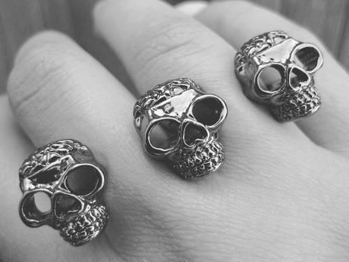 In love with these skull rings.