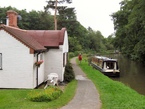 Perfect vacation....houseboat on the English canals