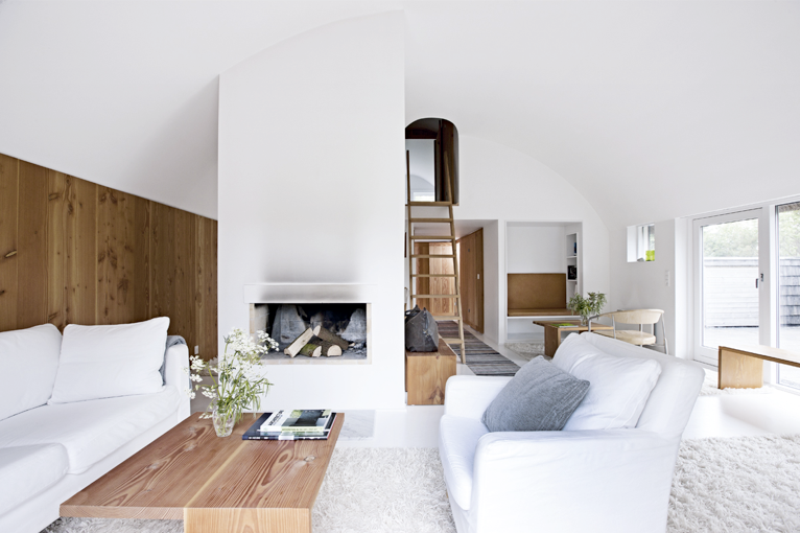 Minimalist And Chic Scandinavian Interior Digsdigs Scandinavian Interior Design Scandinavian Interior Scandinavian Home