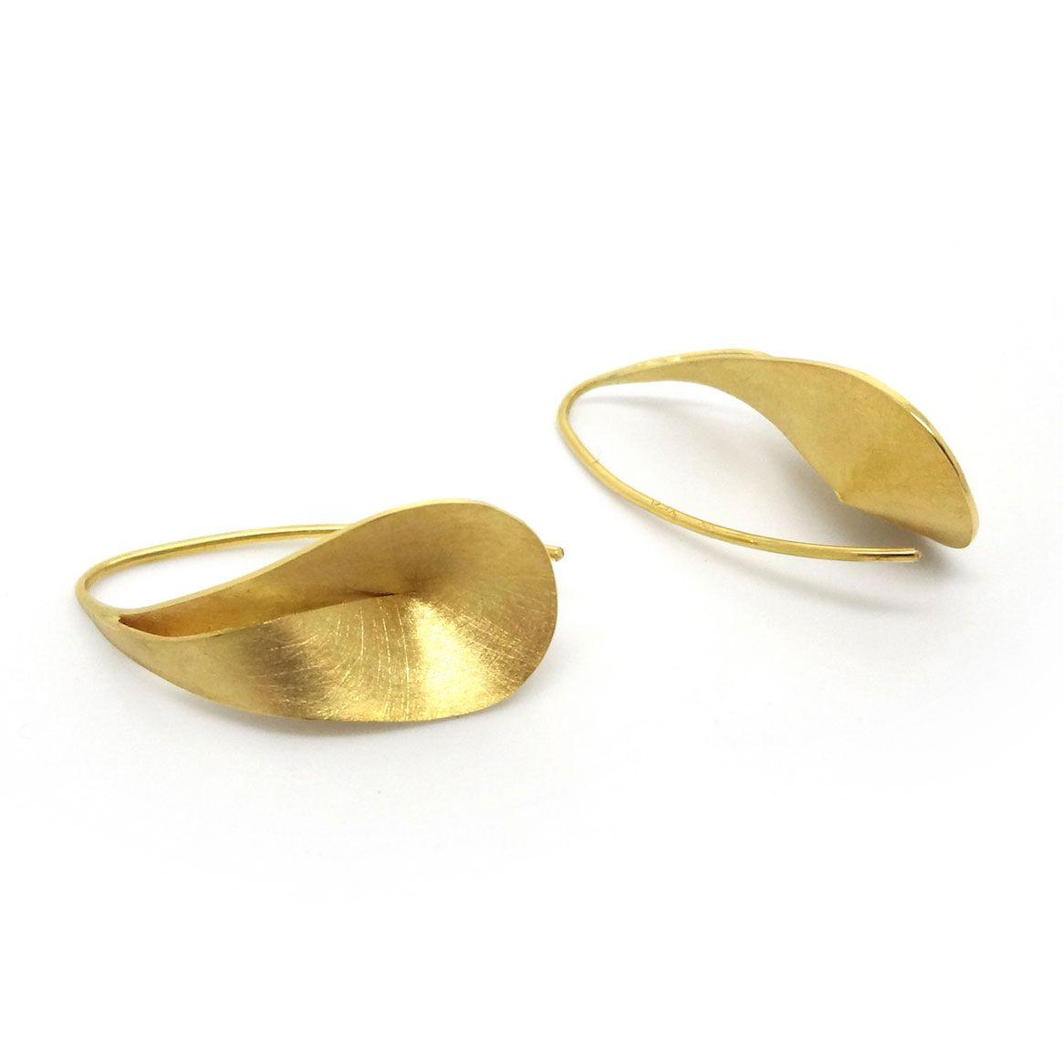 8b302d5e0 ORRO.co.uk - Atelier Luz – Gold Volute Earrings - ORRO Contemporary  Jewellery Glasgow.